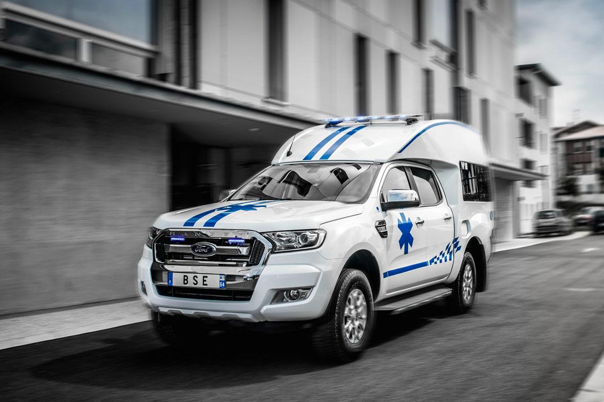 découvrez nos modèles d'ambulances 4x4