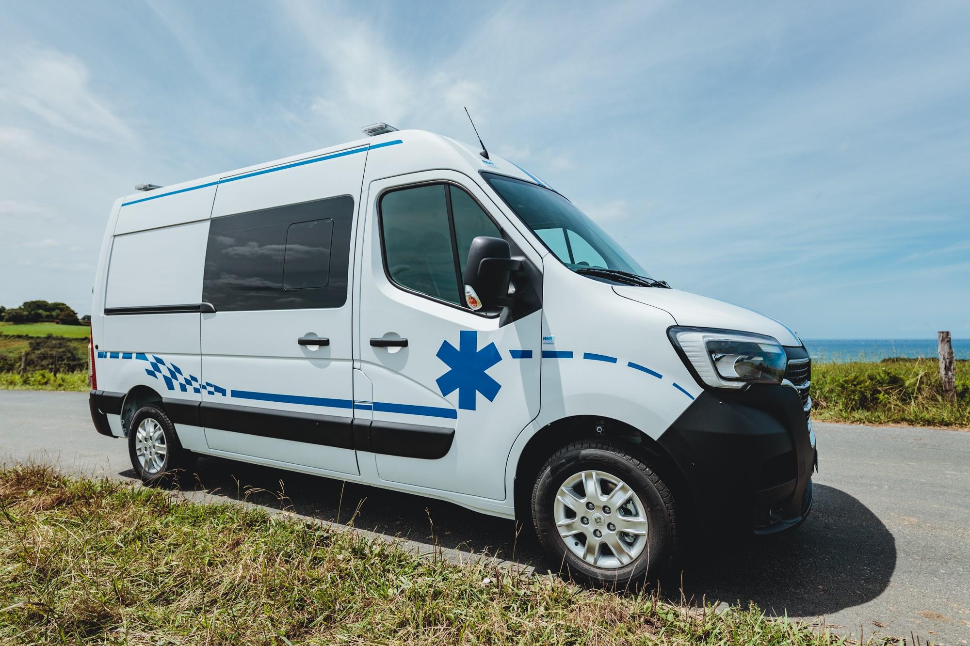 Ambulance Renault Master 4 illustration